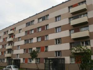 Genomforda projekt LLC PRO DEV byggande av energieffektiva atgarder och byte av tak pa Pludu iela 1A bild 1