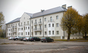 Genomforda projekt LLC PRO DEV byte och isolering av tak i lagenhetshuset pa Kurmajas iela 30 Liepaja bild 1